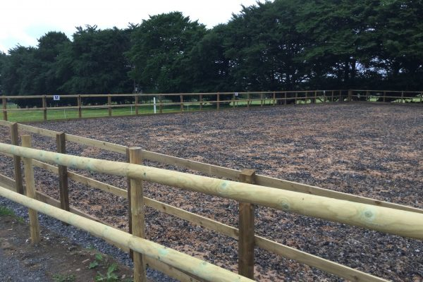 flexiride-silica-sand-two-rail-fence3
